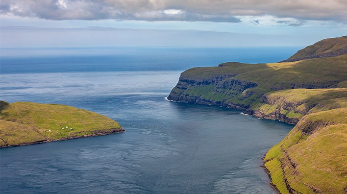 Picture of the Vestmannasund strait in the North West part of the Faroe Islands. Photo: SEV