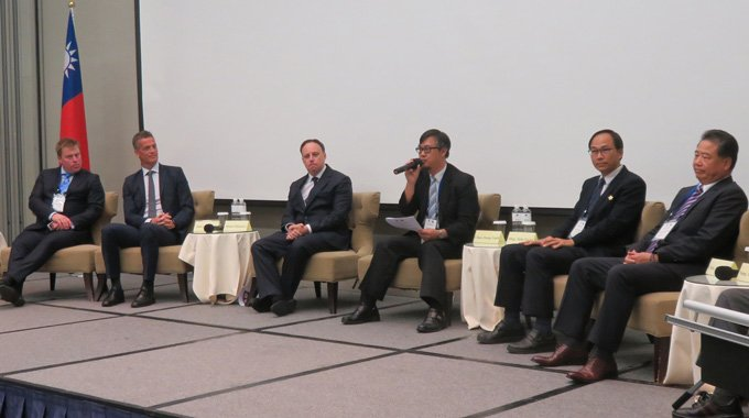Minesto's CEO Dr Martin Edlund and other participants on stage at the Taiwan-Sweden Joint Business Council Meeting 2018 in Taipei. Photo: Business Sweden